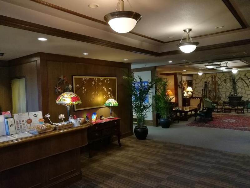 白馬樅の木ホテル Hakuba Mominoki Hotel フロント付近