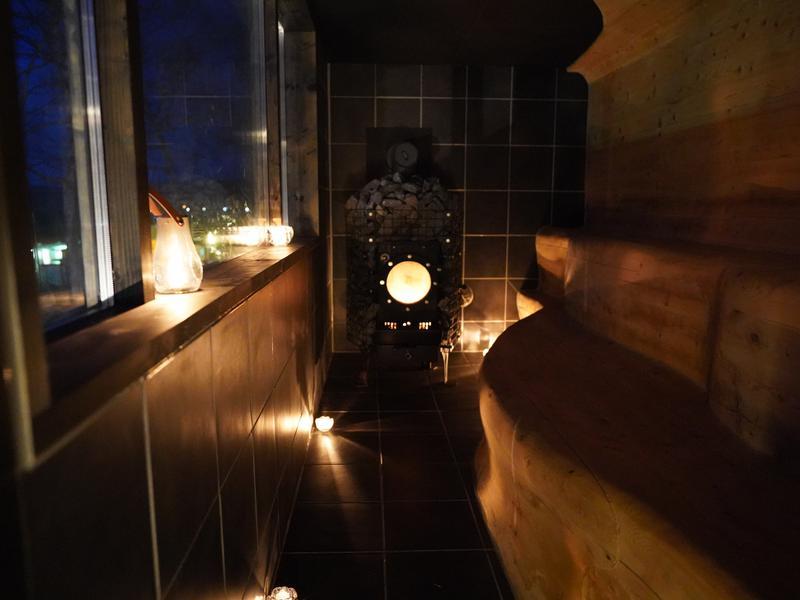 Kushiro Marshland Hostel THE GEEK サウナ室 夜