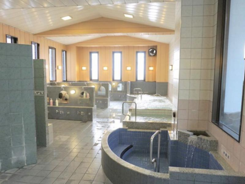 稲荷湯 1階風呂場