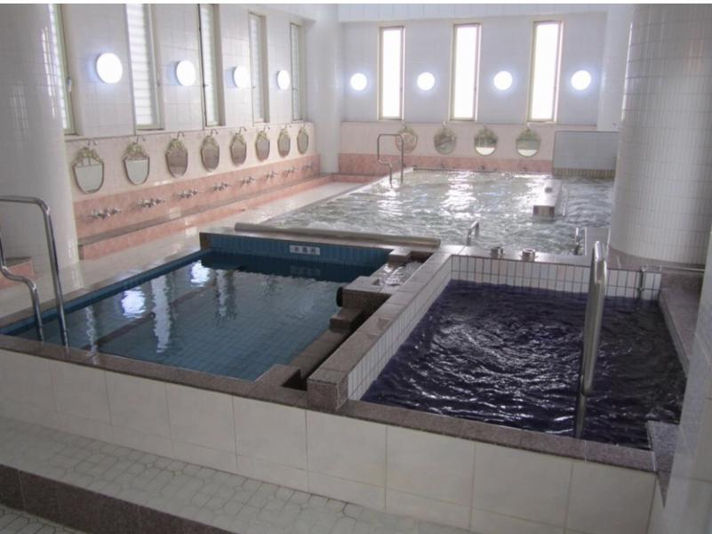 稲荷湯 2階風呂場