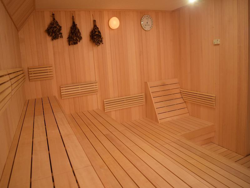 ふじやま温泉 ヴィヒタが飾ってあるサウナ室内
