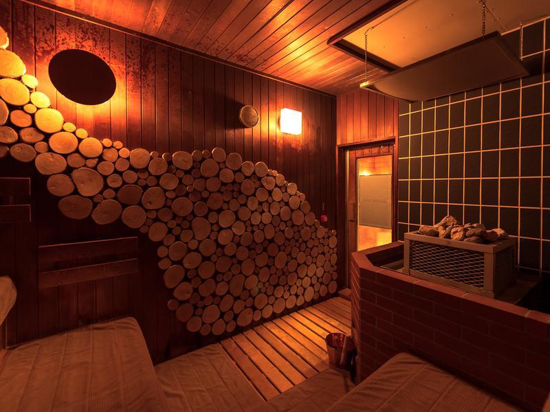 森のスパリゾート 北海道ホテル サウナ室内(女性)、セルフロウリュが可能です。