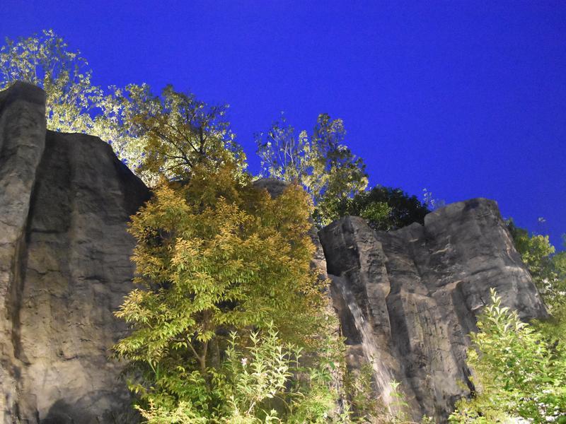 虹の湯大阪狭山店 家族風呂から望む滝