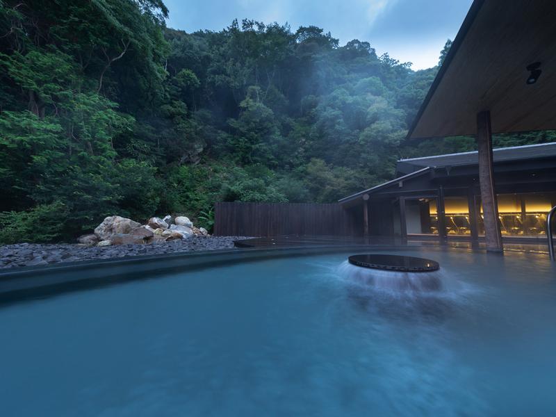 御船山楽園ホテル らかんの湯 男性大浴場 外気浴スペース