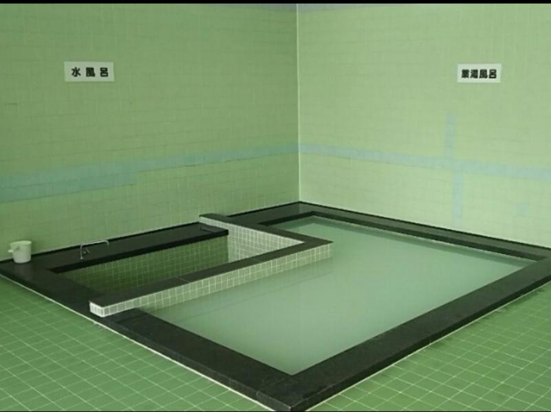 裏磐梯温泉センター 水風呂と薬湯風呂