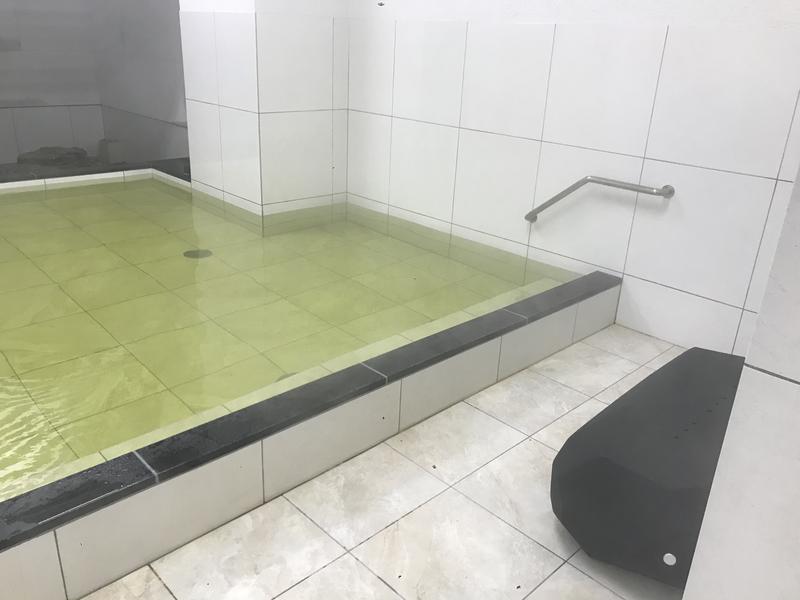 天然温泉 有馬六ツ門の湯(グリーンリッチホテル久留米) 外気浴スペース(男湯)