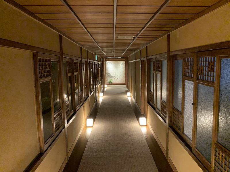 おちあいろう 廊下
