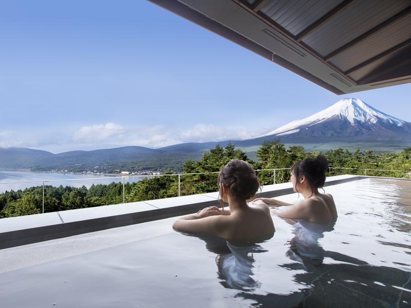 ホテルマウント富士 展望露天風呂(はなれの湯)※山中湖天然温泉。山中湖・富士山一望。
