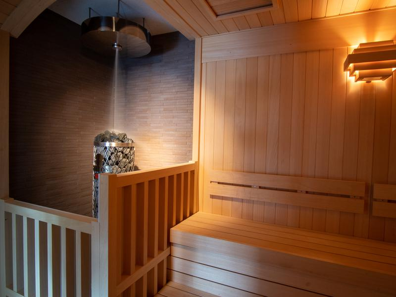 ホテルマウント富士 オートロウリュ(満天星の湯)※天然水ロウリュ・水量多め・毎時00分、30分噴出。