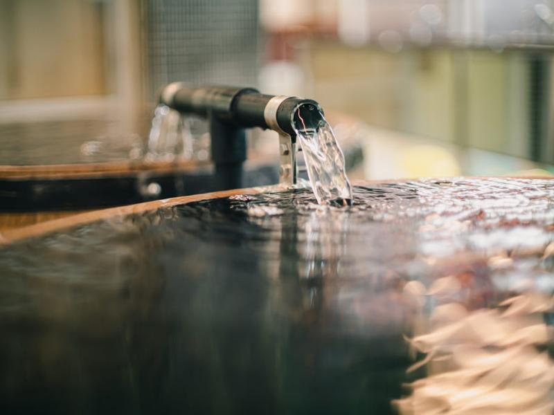 東京浴場 井水かけ流し樽水風呂