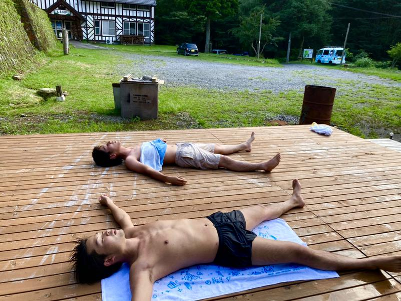 REBUILD SAUNA (ゲストハウスLAMP豊後大野) 外気浴スペース(ウッドデッキ)