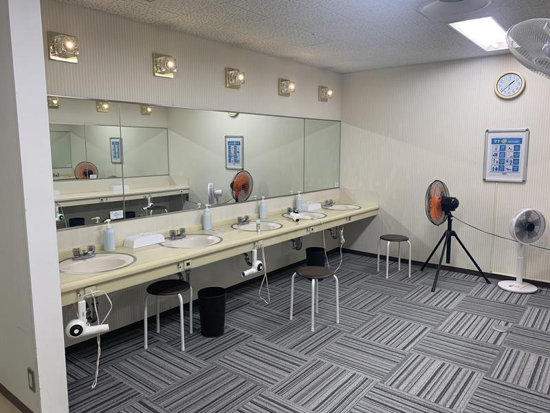 セントラルフィットネスクラブ新大阪駅前店 洗面化粧台