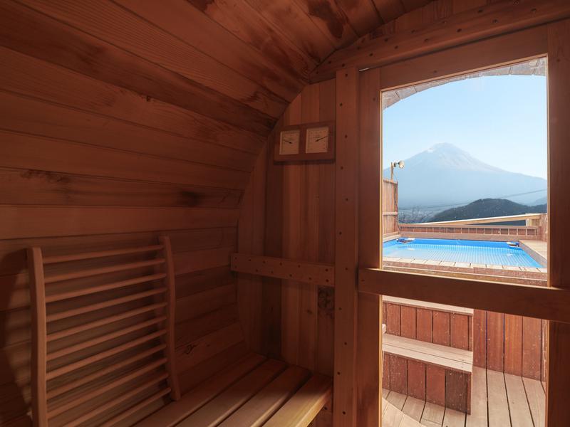 Dot Glamping 富士山 サウナ景色
